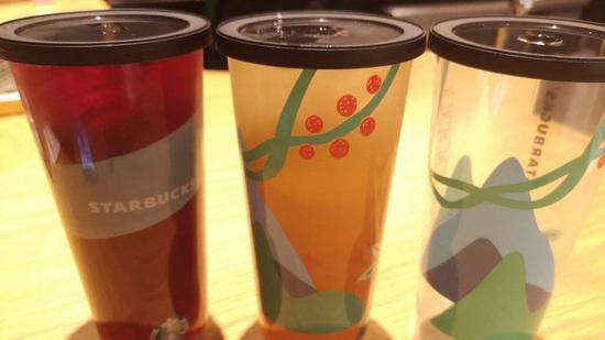 """星巴克最近推出了8款""""玩味冰调"""",为本土研发的新作品。"""