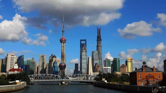 上海自贸区临港新片区吸引企业入驻