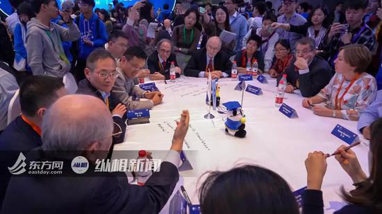「手机玩牌软件」南财快评:推进以效率和创新驱动为增长核心的经济改革