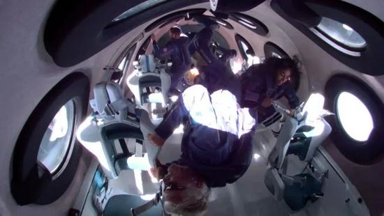 71岁圆梦太空,理查德·布兰森这辈子没遗憾了