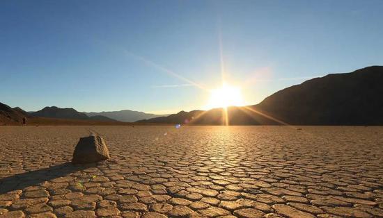 《【多彩联盟注册登录】OMG!54.4°C!近百年来地球最高气温惊现这里?!》