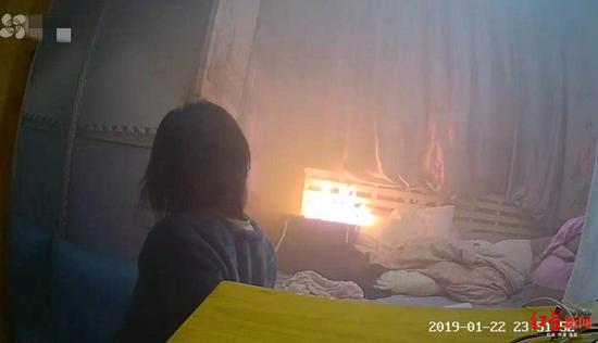 取暖器倒下引火灾致两孩子生命垂危 格力:非产品事故
