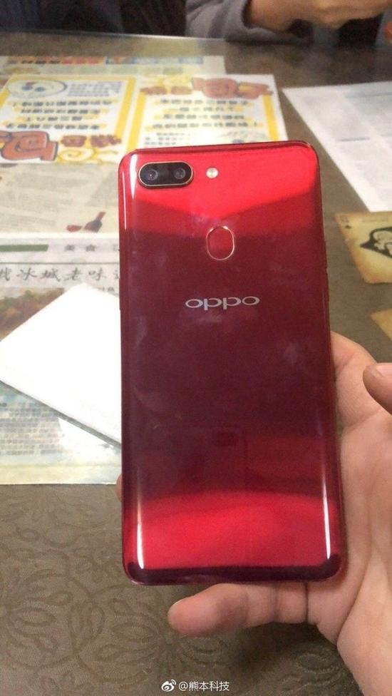 OPPO R15梦境红版抢先上手 渐变色设计你喜欢吗