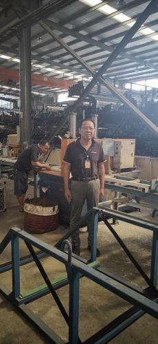 劉興旺在工廠車間 受訪者供圖