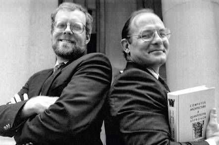 约翰·轩尼诗(左)和大卫·帕特森(右)