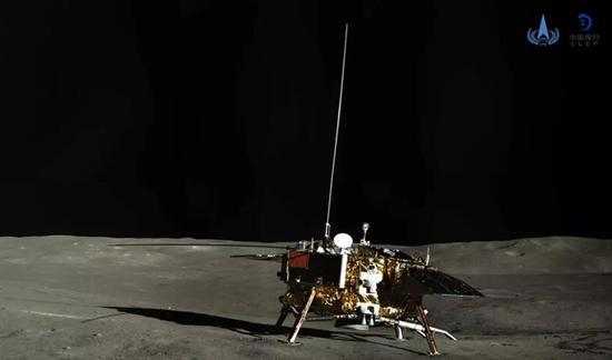 嫦娥四号着陆器彩色全景图 (图片来源:http://www.spacechina.com)