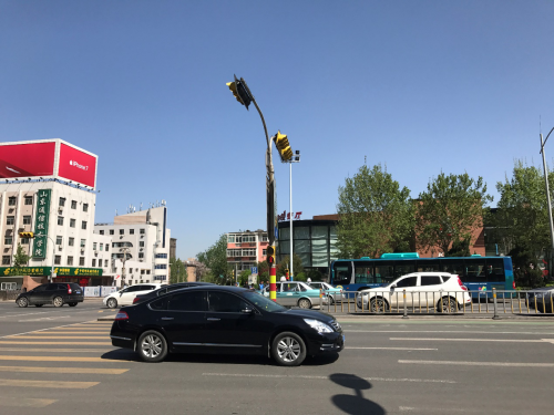 通過滴滴平臺數據和技術團隊優化的路口紅綠燈已超過1300個