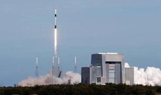 "SpaceX再送60颗""星链""卫星升空"