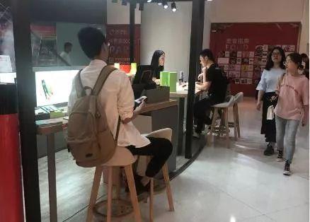 鑫鼎国际娱乐开户网址 荣耀移动电源2体验报告:18W双向快充值得入手!