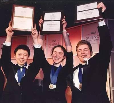 张锋16岁时获得Intel Science Talent Search 奖第三名照片