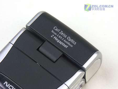 诺基亚N90首款采用卡尔蔡司认证镜头的手机