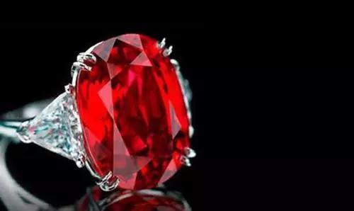 1-紅寶石戒指(圖片來源:百度圖片)