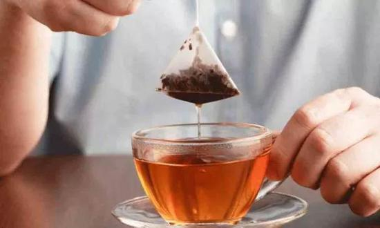 泡一袋茶,等于喝下上百亿微塑料颗粒?微塑料颗粒塑料