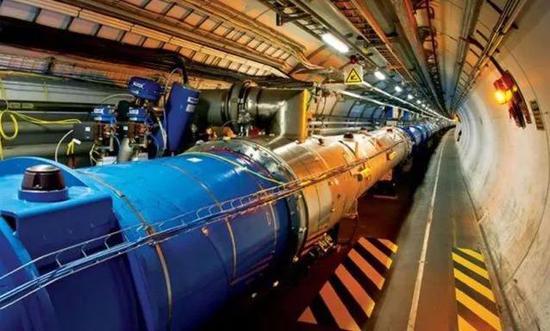 研究粒子的科学装置,如何为居民供暖?这得从LHC产生的热量说起。