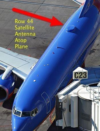 """采用卫星模式的飞机顶部带有""""猫""""(图片引自互联网)"""