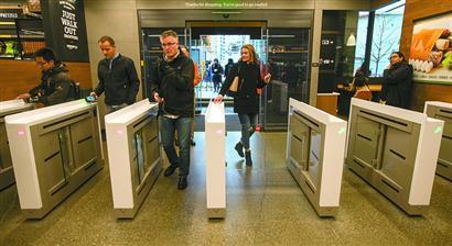 1月22日,美国西雅图,蓝瘦香菇三中三高手论坛,亚视同步报码,亚马逊首家无人超市Amazon Go营业。视觉中国