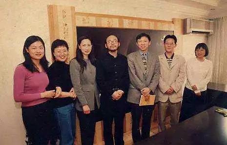 20世纪90年代的张朝阳(左数第五个)