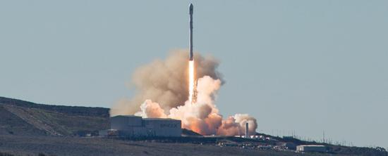 火箭起飞瞬间 来自:SpaceX