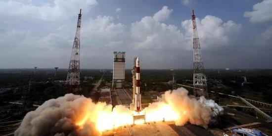 印度PSLV-XL火箭发射瞬间(图片来源:spaceflightinsider)