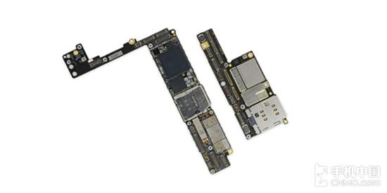iPhone 8 Plus主板对比iPhone X主板