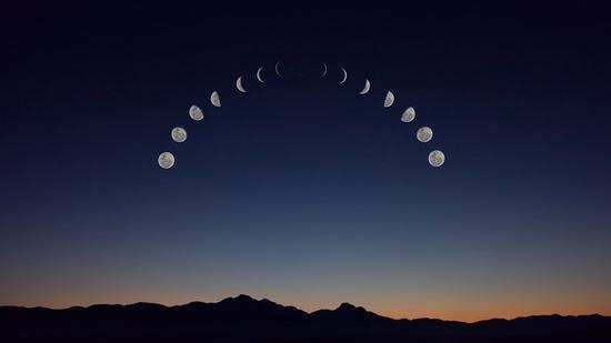 使用轨迹合成时,本次月全食轨迹为半圆形,混合模式请使用变亮