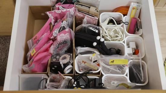 用透明袋子或小收纳盒搞定电线