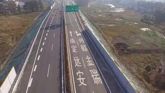 """自动驾驶下的""""智慧""""公路-烽巢网"""