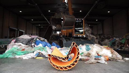 塑料垃圾源源不断,同时也确保了回收来源稳定供应