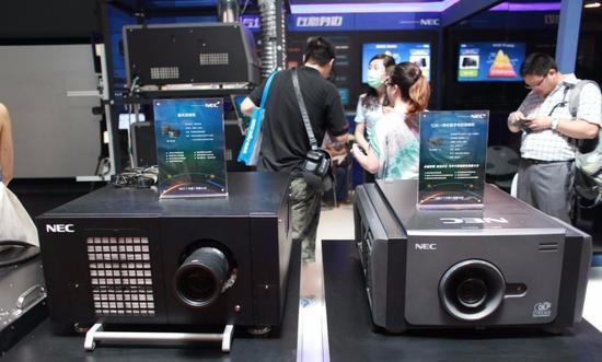 数字放映机的分辨率从高到底分为4K,2k,1.3k,0.8k