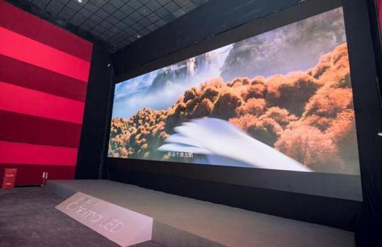 三星LED电影屏在光照环境中呈现《妈妈咪鸭》电影靓丽场景