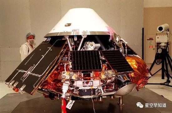 """建造测试中的""""火星极地着陆者""""来源:NASA"""