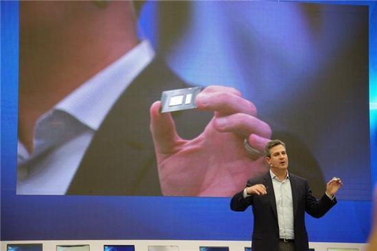Intel新款8代笔记本U曝光:性能直逼桌面i7-6700K|Intel|