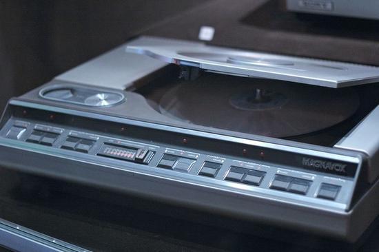 早年的LD播放机