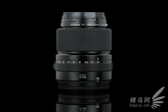富士GF 45mm F2.8 R WR