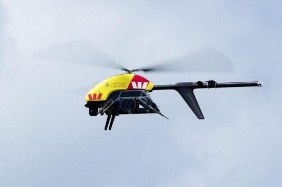 一架无人机在澳大利亚海岸救起两人