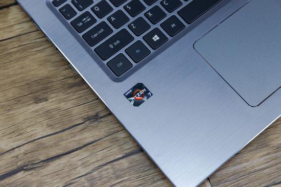 宏碁Swift3贴上了Ryzen7的徽标
