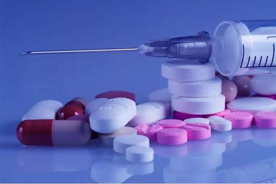 选择正确的药物,才能有效抵抗病毒的继续入侵。