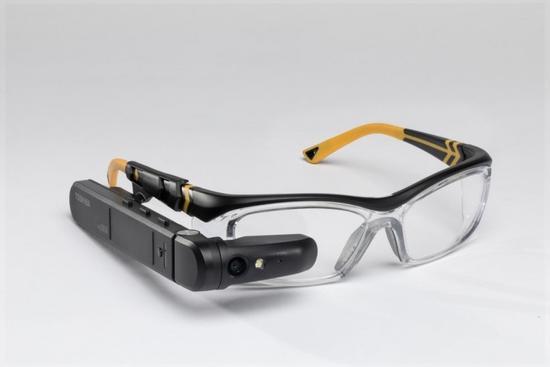 东芝发布运行Win 10的AR眼镜 售价1899美元