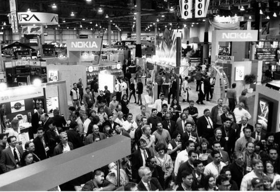 1997年CES展场面积首次突破百万平米