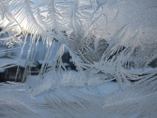 冷凝现象是造成冰箱结冰的原因