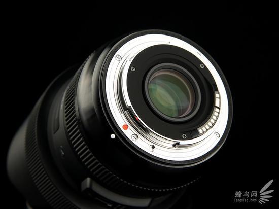 适马14-24mm f/2.8 HSM Art后镜组和镜头卡口