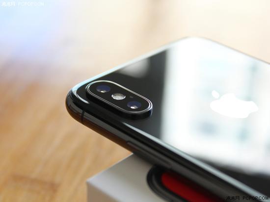 iPhone的摄像头凸出体积越来越大,图为iPhone X