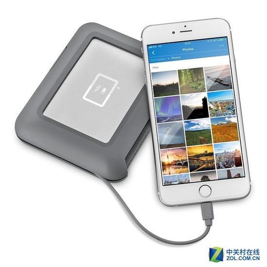 莱斯DJICopilot便携式硬盘可以为手机充电