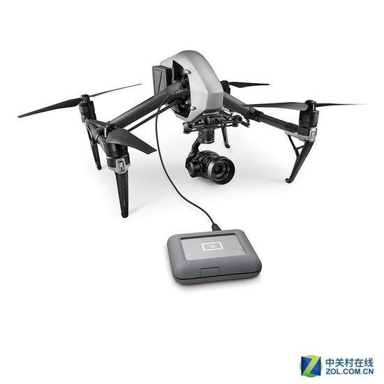 莱斯DJICopilot便携式硬盘可以为无人机充电