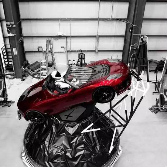图丨本次载荷——特斯拉 Roadster 跑车