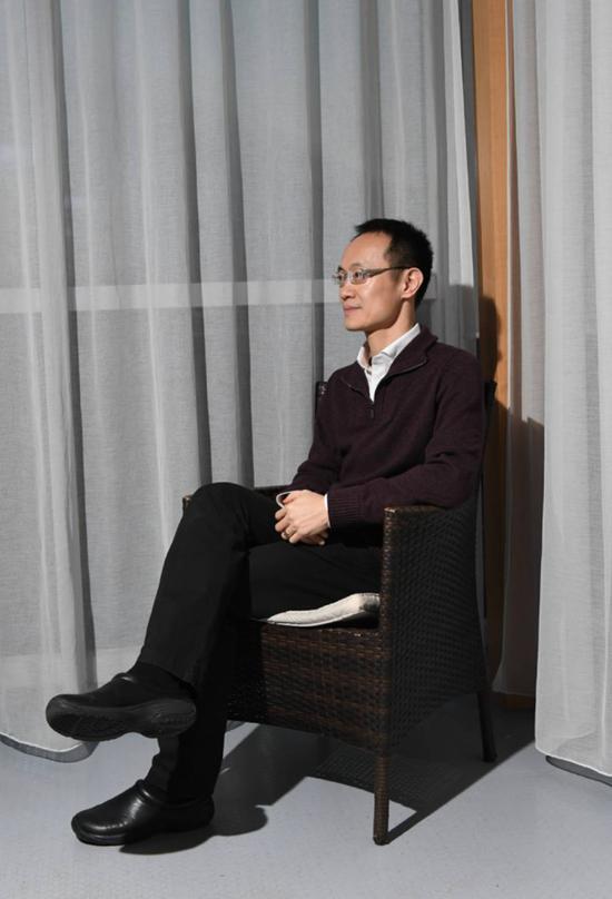 負責小米渠道的三年,林斌出差頻繁多了,僅是河南每個月都要去一兩次 攝影:阿吉