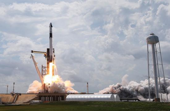 SpaceX第四季度进行首次全民用太空飞行 马斯克称将使用龙飞船