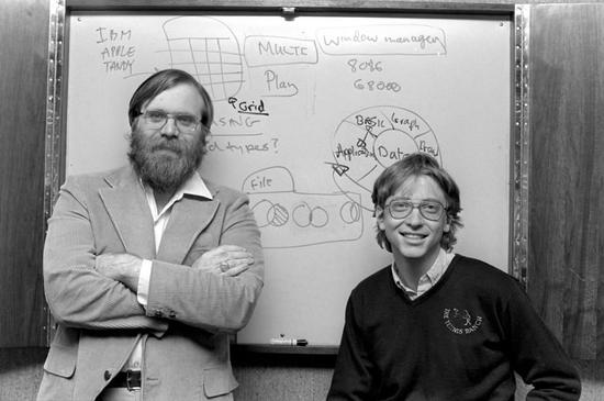 46岁微软:从盖茨缔造帝国到纳德拉复兴
