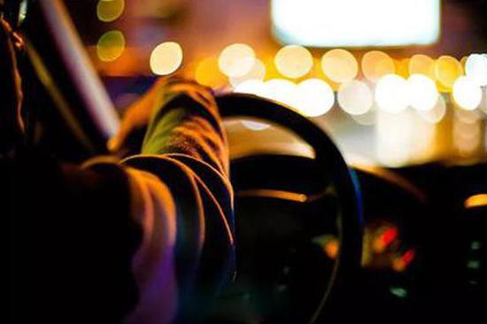 澳门博彩手机游戏 见多了乘用车 突然看见这款商用车 感觉就是不一样