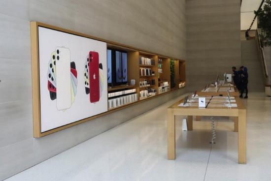每人最多只能购买两部手机? 苹果对中美等国实行限购